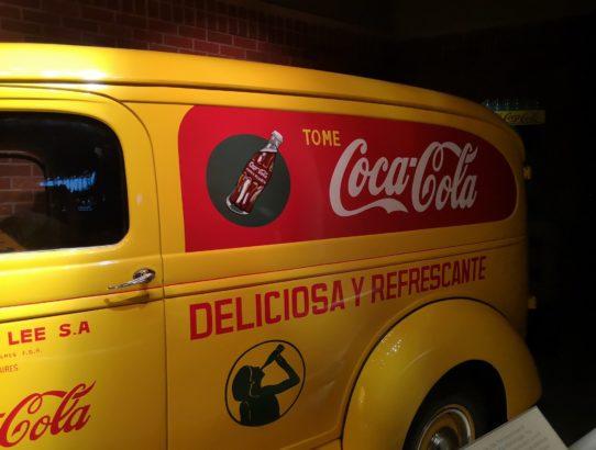 Coca Cola und Falken